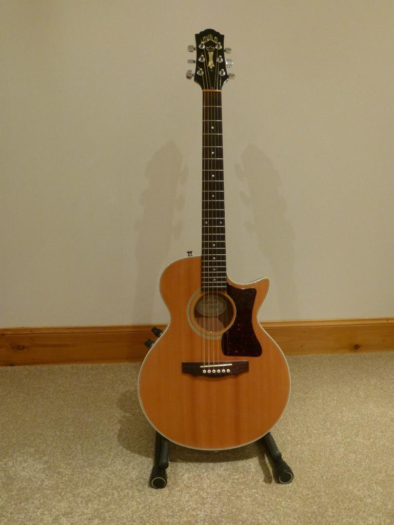 Guild S4 Ce Songbird Electro Acoustic Guitar Thin Body Natural