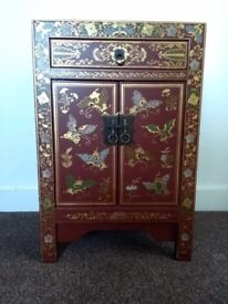 Chinese cabinet *hand painted*