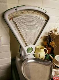 Avery vintage shop scales