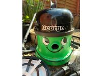 George Wet and Dry Carpet Cleaner