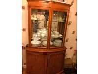 Oak wood display and storage unit with two corner display units with keys