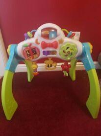 Adjustable playgym