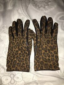 Women's leather and leopaes print gloves