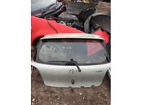 2002 TOYOTA YARIS TAILGATE BOOT LID IN SILVER