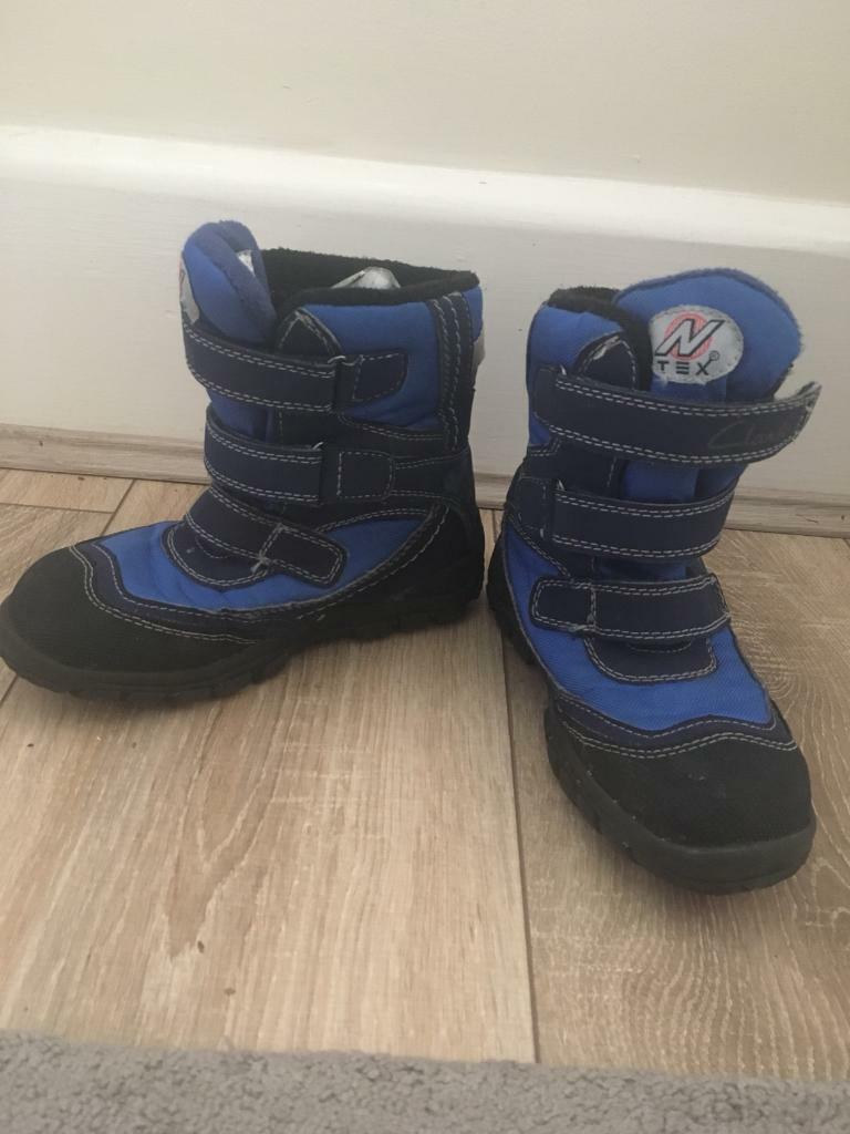 Clark's size 10 child's snow boots