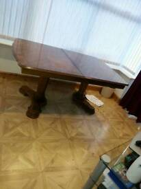 Dining table for 6 to 8 people