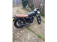 125 cc Motor bike