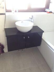 Sink including unit