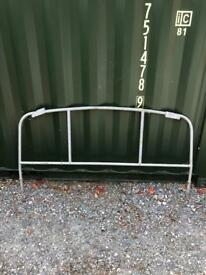 Land Rover Defender Pick Up hi capacity gantry cab protection bar load rest