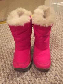 Girls Next snow boots size 10