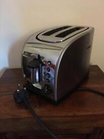 Chrome 2 slice toaster Russell Hobbs