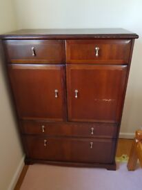 Solid wood chest of drawers, can deliver