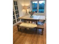 Extendable dining table - perfect for Christmas dinner!!