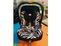 Britax Romer Baby Safe Plus SHR ll Group 0 Plus Car Seat in Smart Zebra