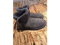 womans genuine grey ugg bailey button boots size 7.5 boxed can post