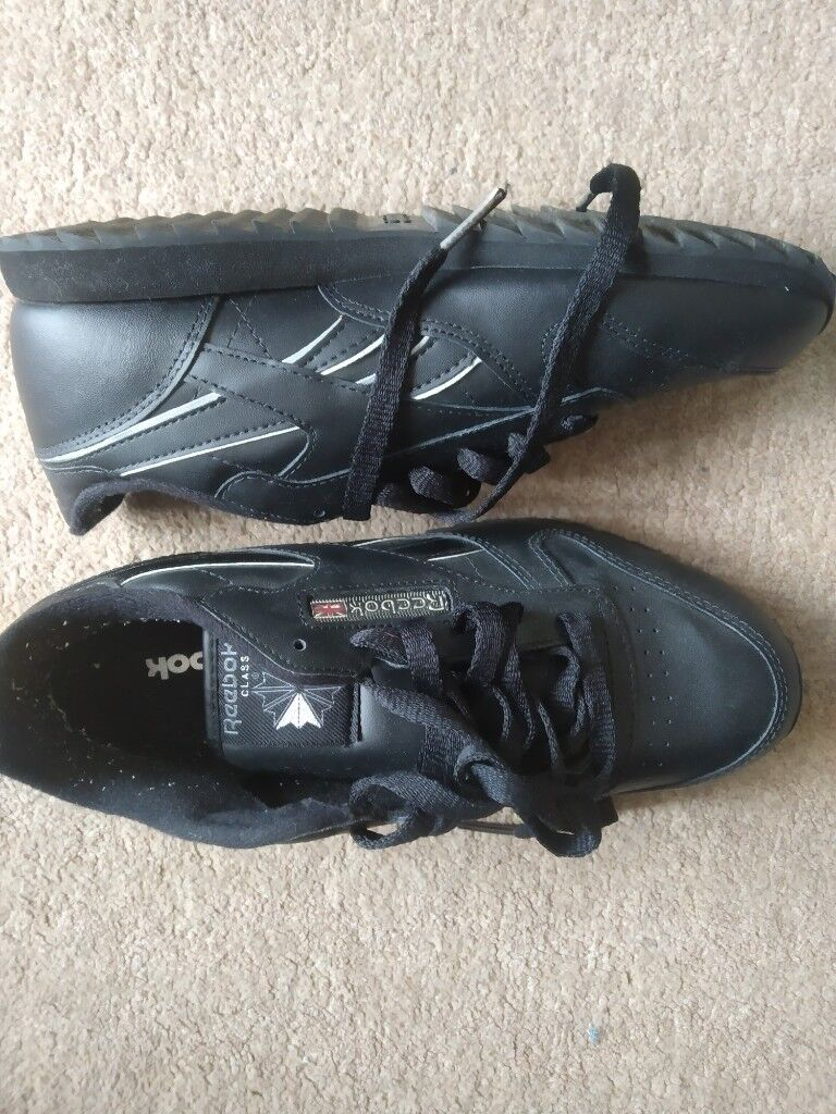 75c95a21345d2 Reebok Black Leather Trainers