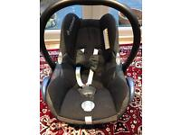 Reduced - Maxi cosi cabriofix car seat and isofix base