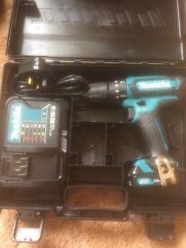 New Makita CXT HP331D 10.8v Li-ion compact cordless Combi drill set