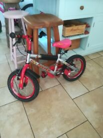 Childs bicycle 4-6 yr old