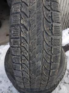 4 PNEUS HIVER - BF GOODRICH 205 65 15 - 4 WINTER TIRES