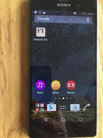 Almost new Sony Xperia Z3 16GB in black for sale