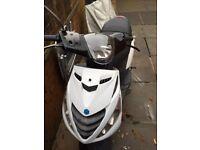 2015 50cc piaggio zip scooter