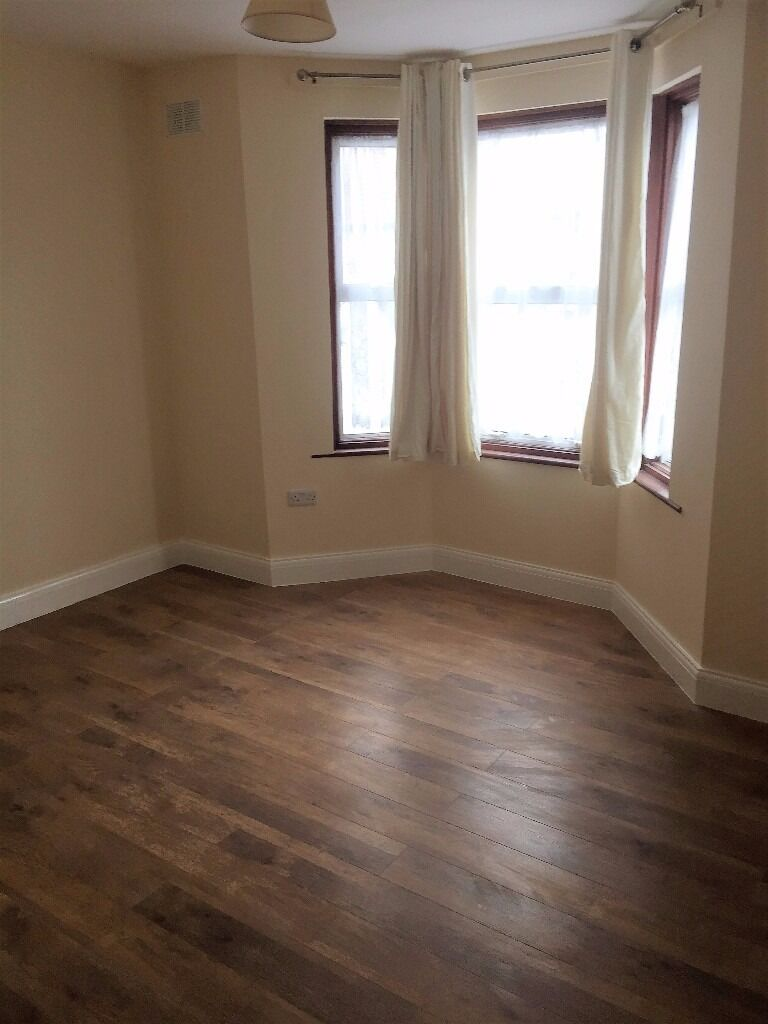 PROPERTY HUNTERS ARE PLEASED TO OFFER A 4 BEDROOM HOUSE TO RENT FOR £1850PCM IN EAST HAM !!