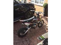 Demon 140cc pit bike
