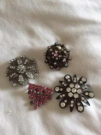 Vintage brooches four .