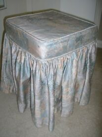 Stylish Upholstered Bedroom Stool