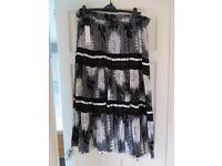 Ladies Skirt - Size 20 (Roman Originals)