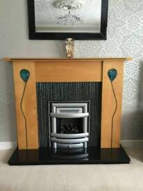 Excellent gas fire with fire surrounding