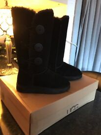 Ugg boots for sale! Size 3.5 ( as new)