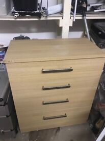 4 drawer Light wood chest of drawers