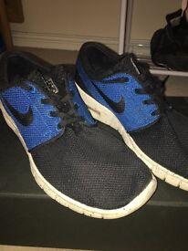 lqbhz Brand new Nike roshe runs. U.K. Size 9. Rare   in Sunderland, Tyne