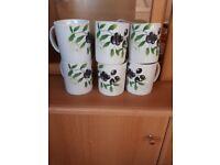 Mugs x 6