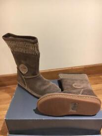 Girl Clarks Boots size 10F