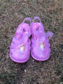 Girls shoes - different sizes