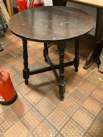 3 x Round traditional pub tables