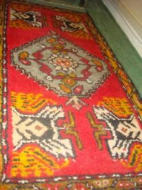 Hand Made Turkish/Persian Rug 102cm x 55cm