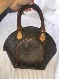 Loui Vuitton bag