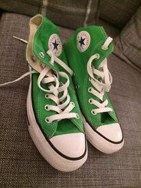 Converse boots size 4