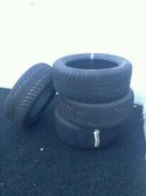 4 Winter Tyres 195/50RI5