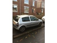 Renault Clio 1.2 alloy wheels automatic lights