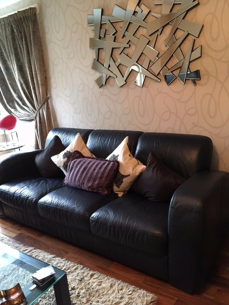 Natuzzi Premium Leather Three Seater Settee And Two Chairs