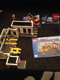 Rare collectible Lego city 7642 garage