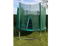 10FT. 3M Trampoline excellent condition Green Net
