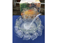 Clear glass New Lavender 27 piece punch bowl set.Punch bowl,base,12 cups,12 hooks,1 ladle. £12 ovno
