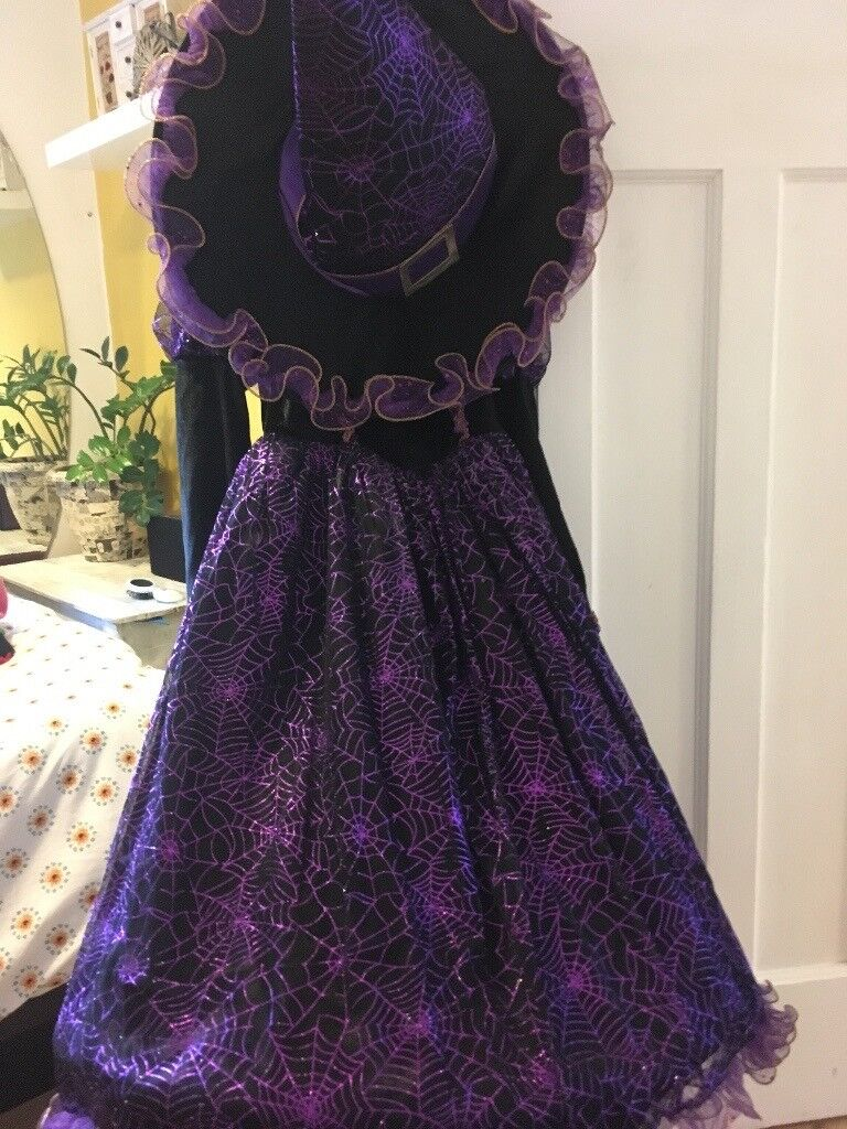 Velvet Halloween Witches costume - 5 to 6 yrs