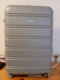 LARGE HARD SHELL SUITCASE